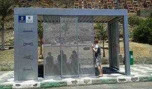 Imagen de la nueva marquesina de la parada de taxis de Taurito