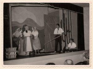 escena-de-la-ruleta-del-sur-en-el-museo-canario-en-1957