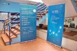 imagen-del-punto-de-informacion-de-red-electrica-espana-en-las-oficinas-municipales-de-arguineguin-2