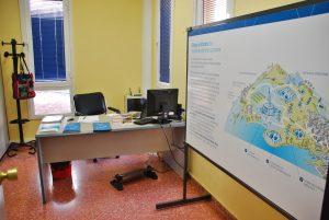 imagen-del-punto-de-informacion-de-red-electrica-espana-en-las-oficinas-municipales-de-arguineguin