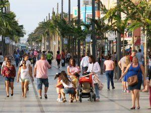 zona-peatonal-avenida-de-canarias-paseo-comercial-1